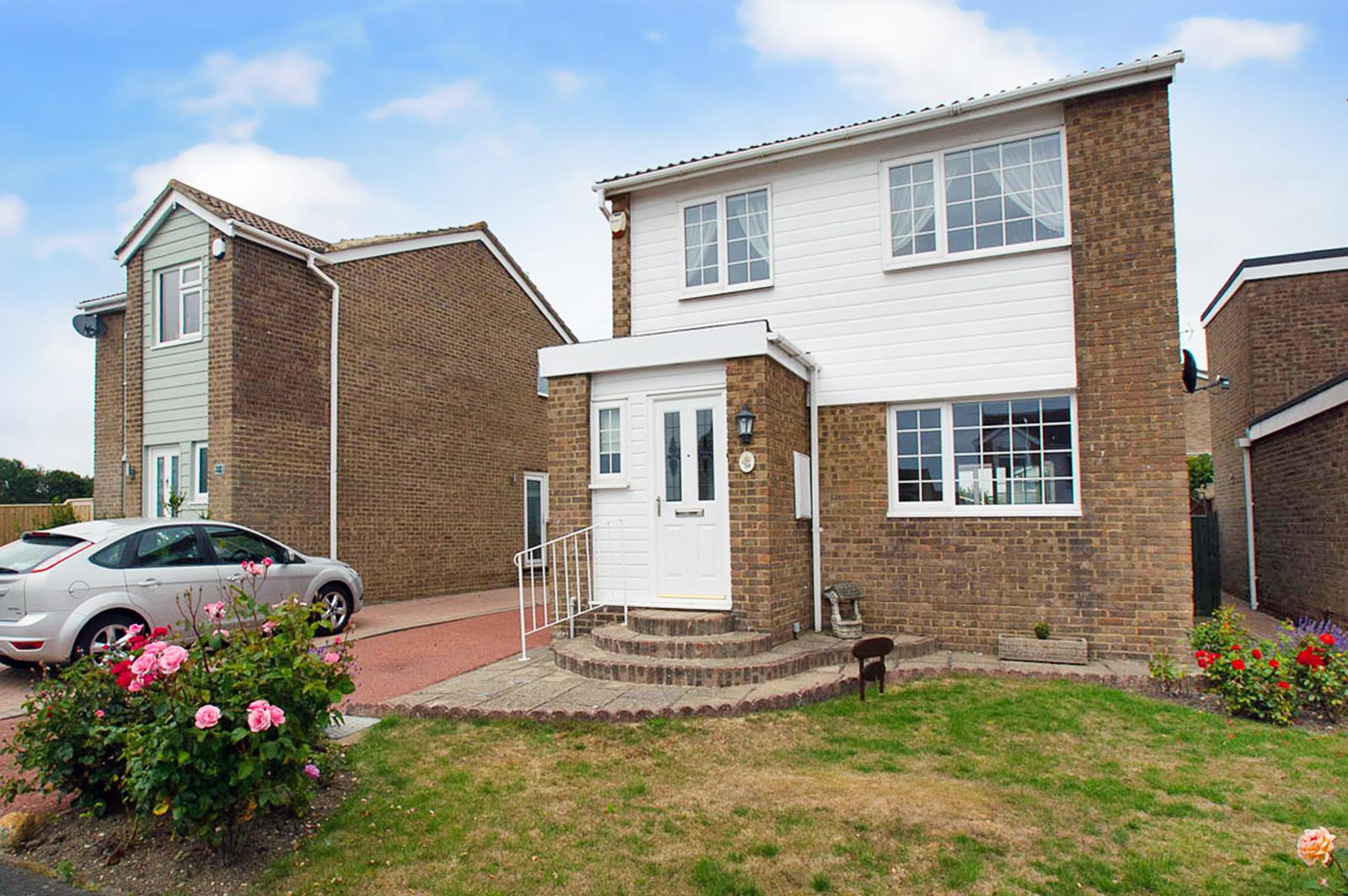 3 Bedrooms Property for sale in Badlesmere Road, Eastbourne